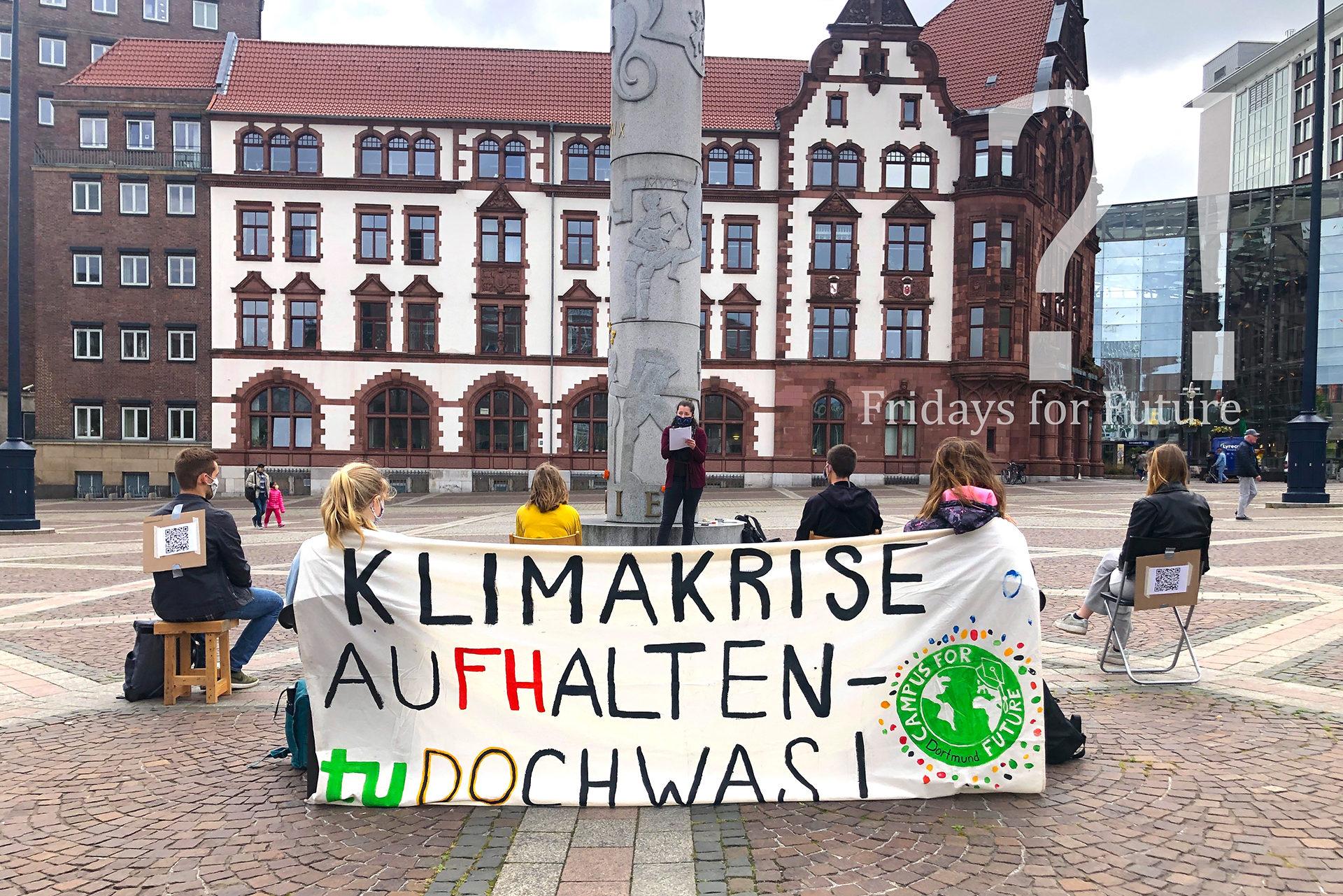 Fridays for Future eröffnet Public Climate School auf Dortmunder Friedensplatz